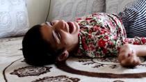 AKÜLÜ SANDALYE - Engelli Genç Kızın Çifte Bayram Sevinci