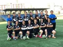 ORHAN TOPRAK - Hakkarigücü Spor Kadın Futbol Takımı Sena Hazırlanıyor