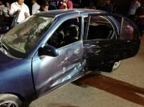 İL SAĞLıK MÜDÜRLÜĞÜ - İki Otomobil Çarpıştı Açıklaması 5 Yaralı