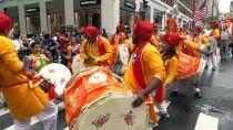 MANHATTAN - New York Sokaklarında Hindistan Rüzgarı