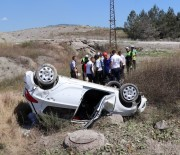 NİLÜFER - Otomobil Takla Attı Açıklaması 1'İ Çocuk 3 Yaralı