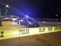 KAÇıŞ - Otomobildeki Kavgada Silahlar Patladı Açıklaması 1 Yaralı
