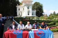 İMZA TÖRENİ - Trabzonspor'un Yeni Transferi Nwekaeme Sözleşmeye İmza Attı