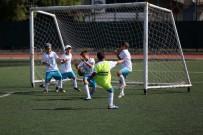 HASAN DOĞAN - Yenimahalle Belediyesi Yaz Futbol Okulu Mezunlarını Verdi