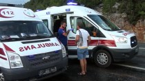 YARPUZ - Antalya'da Zincirleme Trafik Kazası Açıklaması 9 Yaralı