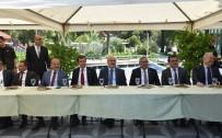 BAYRAM NAMAZI - Aydın'da İl Protokolü Bayramlaştı