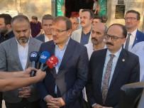 Çavuşoğlu, Bayram Namazını Ulu Cami'de Kıldı