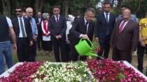 SUAT DERVIŞOĞLU - Cumhurbaşkanı Yardımcısı Oktay'dan Şehitlik Ziyareti