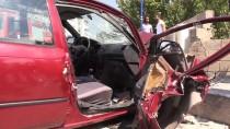 Erzincan'da İki Otomobil Çarpıştı Açıklaması 5 Yaralı