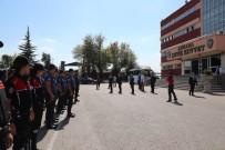 HELAL - Vali Topaca, Polislerle Bayramlaştı