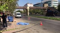 ÜST GEÇİT - Antalya'da Otomobilin Çarptığı Yaya Öldü