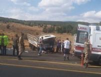 Bingöl'de otomobille pikap çarpıştı: 4 ölü, 9 yaralı