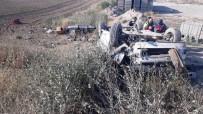 Kırşehir'de otomobil şarampole devrildi: 1 ölü, 3 yaralı