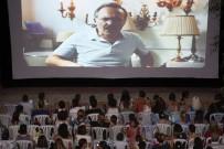 PATLAMIŞ MISIR - Konaklılar Açık Hava Sinemayı Sevdi