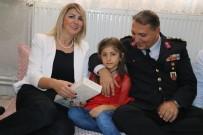 BAYRAM HEDİYESİ - Siirt İl Jandarma Komutanı Atabay Görevine Başladı