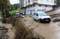 DERECIK - Trabzon'da Aşırı Yağış Heyelana Neden Oldu