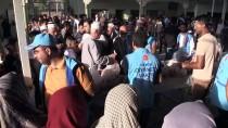 KERKÜK - Türkiye Diyanet Vakfı Kerkük'te Kurban Eti Dağıttı