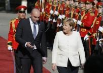 GÜRCİSTAN CUMHURBAŞKANI - Almanya Başbakanı Merkel Gürcistan'da