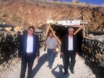 CHP Milletvekili Metin İlhan Göçük Alanında İnceleme Yaptı