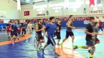 MİLLİ GÜREŞÇİ - Kaçırdığı Altın Madalyayı Dünya Şampiyonası'nda Telafi Edecek