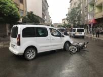 Motosiklet Otomobil İle Çarpıştı Açıklaması 1 Yaralı