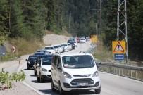 ABANT - Tatilciler, Abant Tabiat Parkı'nda 5 Kilometrelik Araç Kuyruğu Oluşturdu