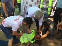 AKALAN - Doktor Belediye Başkanı Bayılan Personele İlk Müdahaleyi Yaptı