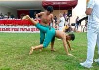 MUSTAFA YAVUZ - Geleceğin Güreşçileri Karakucak Güreşlerine Damga Vurdu