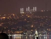 TARİHİ YARIMADA - İstanbul'da dün gece bir ilk yaşandı! Çamlıca Camii'nin minareleri...