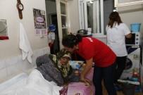 EV TEMİZLİĞİ - Konak'ta Evler Pırıl Pırıl Oluyor