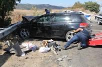 Kontrolden Çıkan Otomobil Park Halindeki Araca Çarptı Açıklaması 10 Yaralı