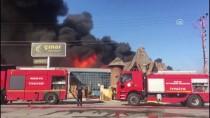 DEKORASYON - Konya'da Mobilya Dekorasyon Fabrikasında Yangın
