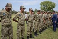 ENVER ÜNLÜ - Vali Ünlü Askerlerle Bayramlaştı
