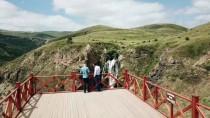 PİKNİK ALANI - Turizme Kazandırılan Susuz Şelalesi Ziyaretçileri Büyülüyor