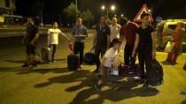 OTOBÜS FİRMASI - Arızalı Olduğu İddiasıyla Yolcular Otobüsü Terk Etti