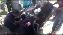 Elini Kıyma Makinesine Kaptıran Kadını İtfaiye Kurtardı