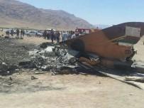 EĞİTİM UÇAĞI - İran'da F-5 Tipi Uçak Düştü Açıklaması 1 Ölü