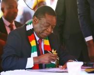 ASKERİ MÜDAHALE - Zimbabve'nin Yeni Devlet Başkanı Mnangagwa Yemin Etti