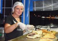BALIK EKMEK - Didim'de Balık Ekmeğe Yoğun İlgi