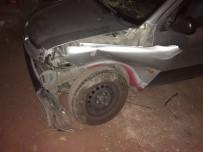 İki Otomobil Kafa Kafaya Çarpıştı  Açıklaması 5 Yaralı