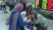 MEKKE - İzmir'de İlk Hac Kafilesi Döndü