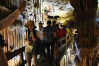 Karaca Mağarası Bayram Tatilinde Doldu Taştı
