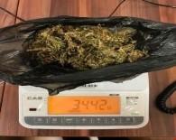 SİGARA PAKETİ - Muş'ta Uyuşturucu Operasyonu