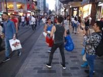 BOKS - (ÖZEL) İstiklal Caddesi'nde Boks Maçı