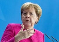 CHEMNITZ - Almanya Başbakanı Merkel Açıklaması 'Korkunç Bir Olay. Almanya'da Sokaklarda Nefrete Yer Yok'