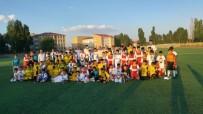 VEYSEL ACAR - Bursa MUŞ İLDER'den Hasköylü Sporculara Malzeme Desteği