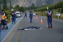 ELEKTRİKLİ BİSİKLET - Otomobilin Çarptığı Elektrikli Bisiklet Sürücüsü Öldü