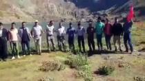 Vatandaşlar İkiyaka Dağlarında Türk Bayraklarıyla Halay Çekti
