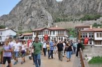 KIRLANGIÇ - Amasya'daki Müzeleri Bayram Tatilinde Nüfusunun Yarısı Kadar Kişi Gezdi