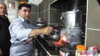 KAHVEHANE - Bu Kahvehane De Çaylar Odun Ateşinde Demleniyor